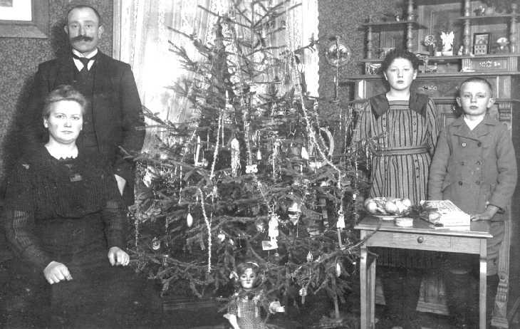 076 0058 weihnachten 1918 bei der familie gustav gottaut. Black Bedroom Furniture Sets. Home Design Ideas